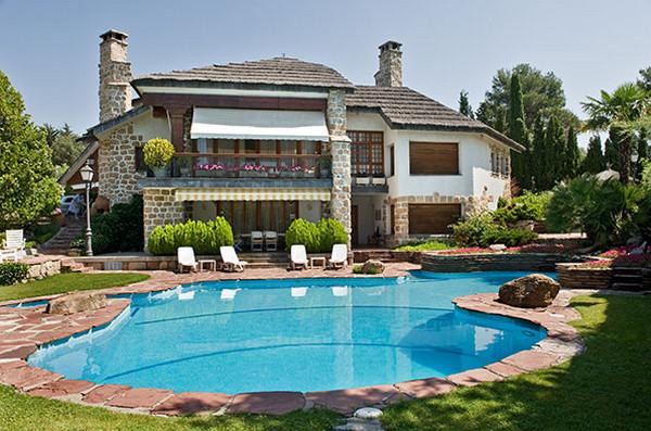 Снять дом с бассейном в испании дубай поющие фонтаны