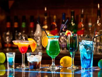 лучшие бары барселоны, коктель.jpg