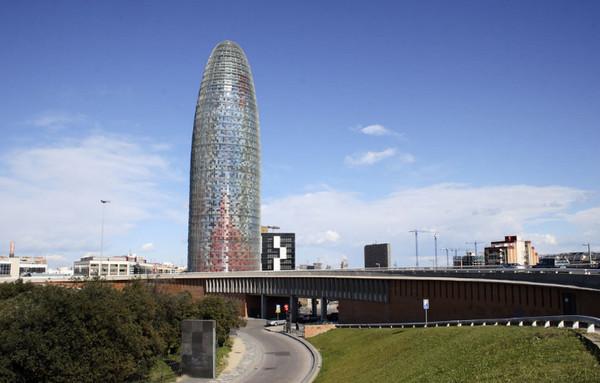 Достопримечательности Барселоны.Башня ....jpg