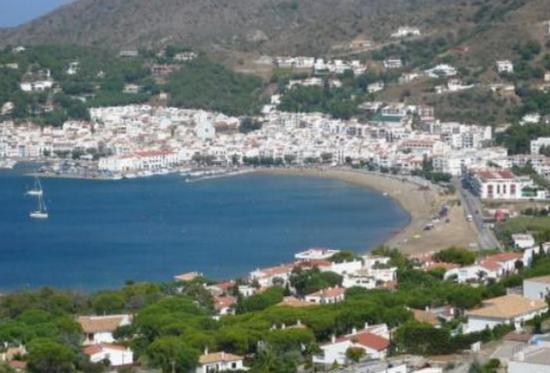 Пляжи города Эль Порт Де ла Сельва.jpg