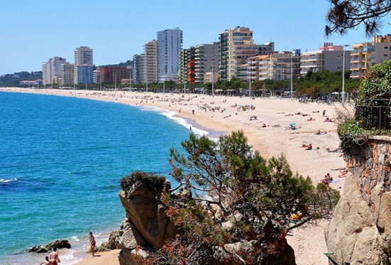 Пляжи города Плайя де Аро.jpg