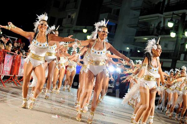 карнавал в ситжес.jpg