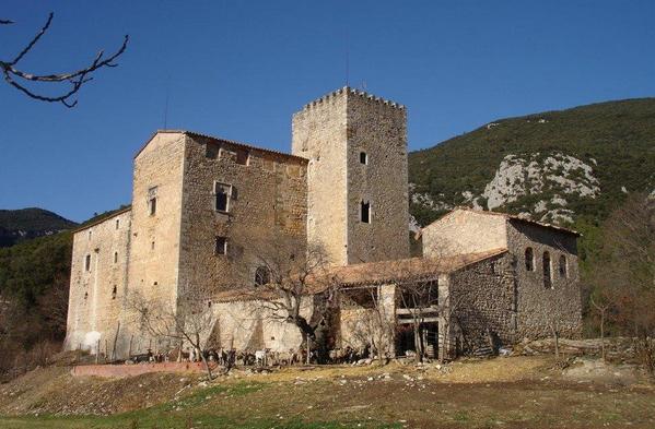 купить средневековый замок в испании