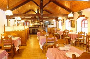 Taverna Dels Noguers.jpg