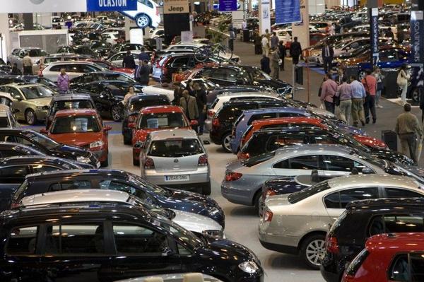 автомобильная выставка в Барселоне.jpg