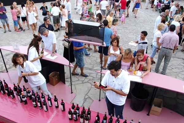 ярмарка шампанского и сыра в Пальс.jpg
