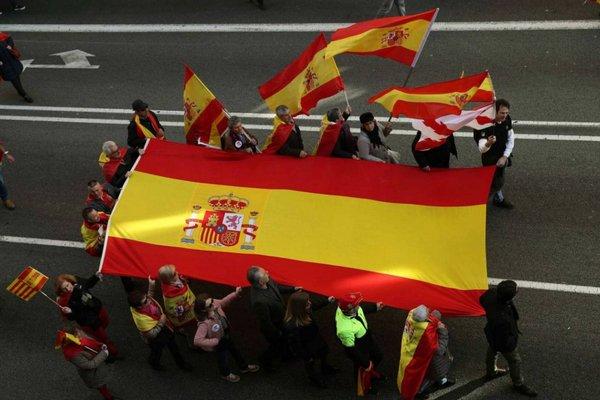 праздники в испании, конституция.jpg