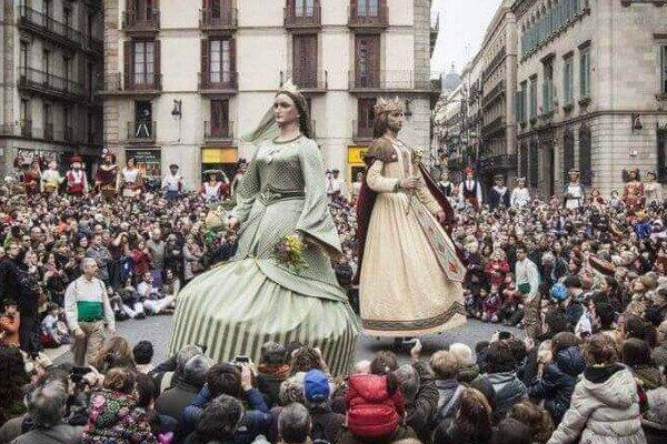 фестиваль в барселоне, Dia de Santa Eulalia.jpg