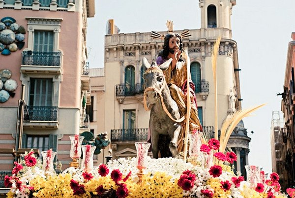 Страстная неделя, праздники испания.jpg