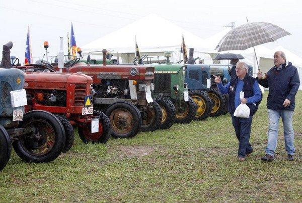 Ярмарка тракторов в Испании.jpg