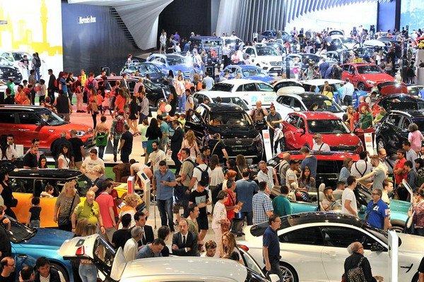 Международная автомобильная выставка в Барселоне.jpg