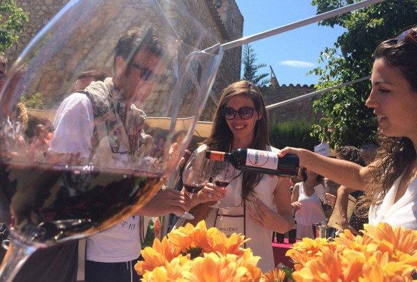 Региональный винный фестиваль Эмпорда.jpg