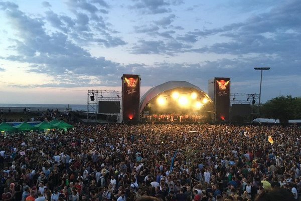 Музыкальный фестиваль в Барселон.jpg