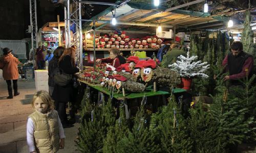 mercado-navideno-santa-lucia-barcelona-03.jpg