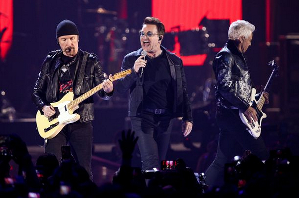 Концерт U2 в Барселоне.jpg