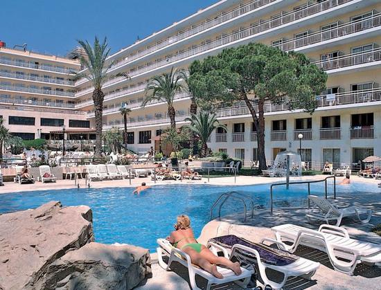 Hotel Oasis Park.jpg