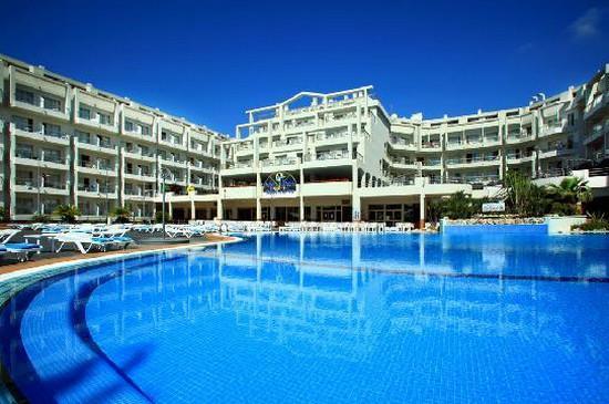 Aqua Hotel Aquamarina.jpg