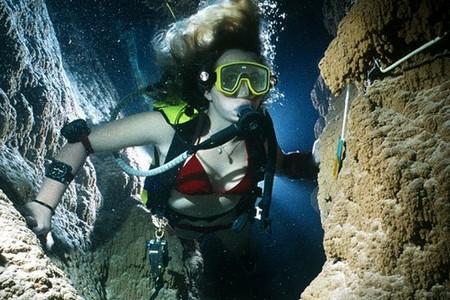 Экспедиция в подводные пещеры.jpg