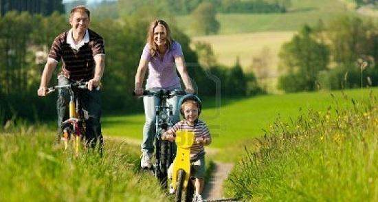 на велосипедах с детьми.jpg