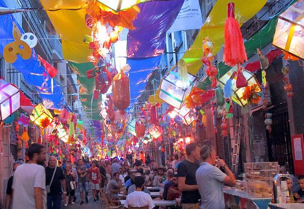 Барселона, День города (Festa Major de Gracia).jpg