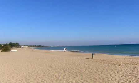 Пляжи в Calas Mont-Roig del Camp.jpg