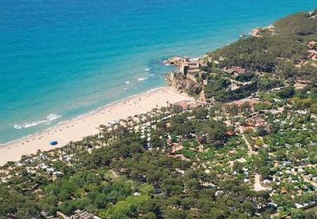 пляж Tamarit, Таррагона, Испания.jpg