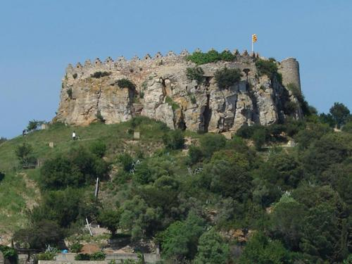 castell-de-begur-costa-brava-girona.jpg
