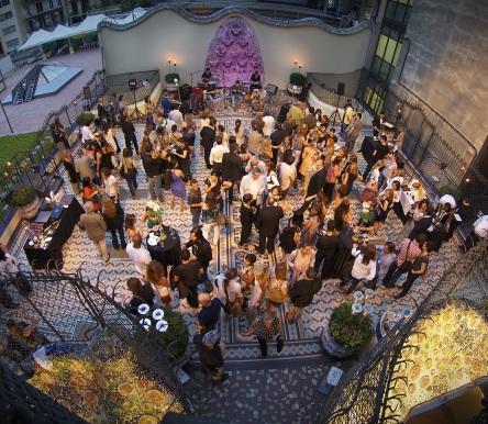 Магическая ночь на террасе Casa Batlló 2013.jpg