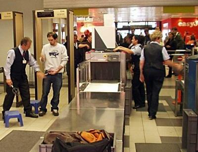 таможенный контроль аэропорт барселоны.jpg