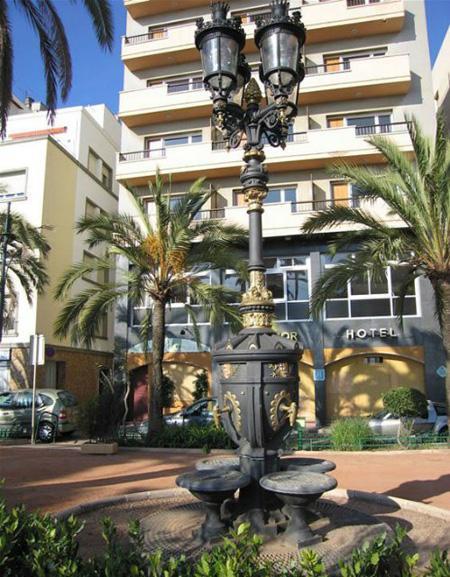 памятники испании, копия каналетского фонтана.jpg