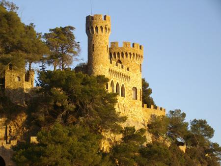 памятники испании, замок на пляже.JPG