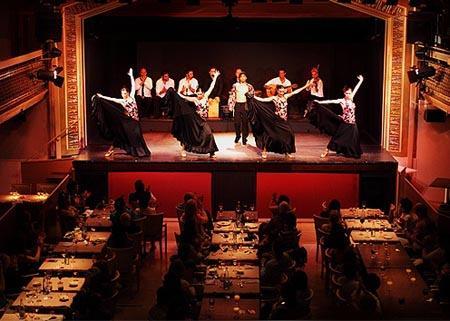 новый год в испании Дворец Фламенко.jpg